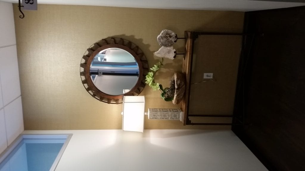 mirror and sidetable